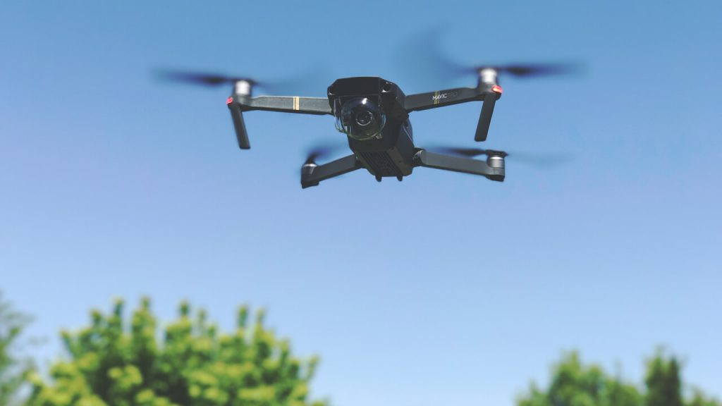 Fotogrāfēšana un video uzņemšana ar dronu